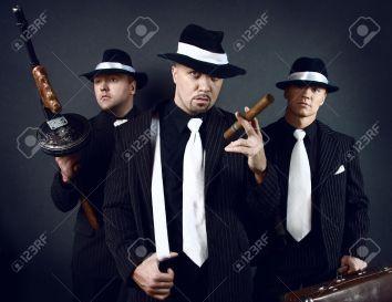 5776314-Tre-gangster--Archivio-Fotografico.jpg
